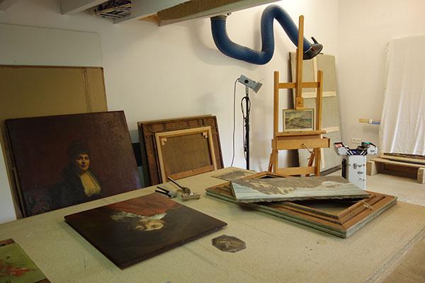 À chaque œuvre<br>son histoire et sa matérialité