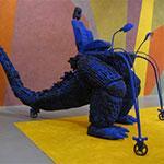 De l'étude de l'œuvre de Kenji Yanobe, Foot Soldier (Godzilla), FRAC PACA, au développement d'une recherche sur l'identification des caoutchoucs